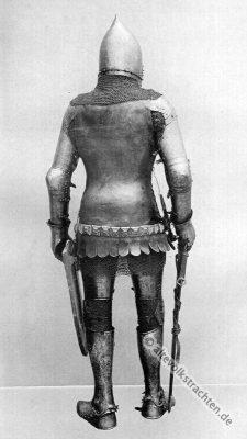 Ritter mit Turnierhelm. Mittelalter Ritterrüstung. Ritterkostüm. 14. Jahrhundert Soldat.