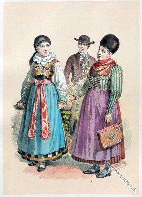 Bayerische Volkstrachten. Alte Dirndlmode. Original Niederbayerisches Dirndl Kleid.