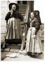 Frauentrachten aus der Rottweiler Gegend