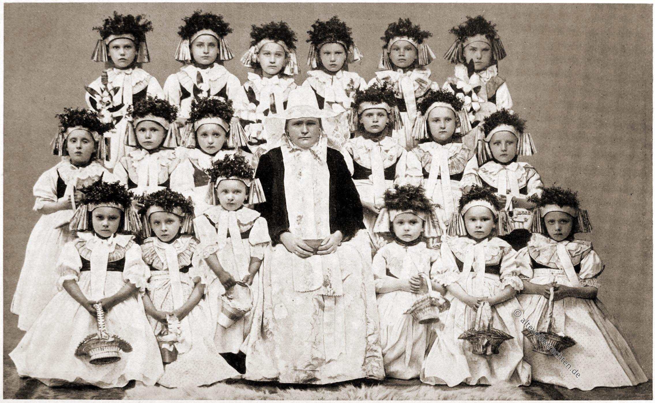 Trachten, Kindertrachten, Beuthen, Bytom, Schlesien, Fronleichnamsprozession, Rose Julien, Deutsche Volkstrachten