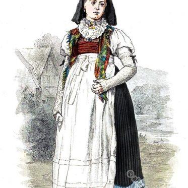 Frau in älterer Tracht aus Brotterode in Thüringen.