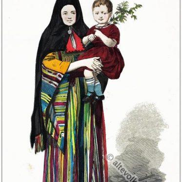 Griechische Frau mit Kind in traditioneller Tracht aus Bethlehem.