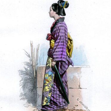 Japanische Frau in traditioneller Kleidung um 1868.
