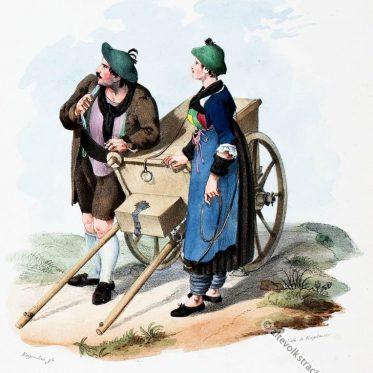 Tiroler Bauerntrachten aus dem Zillertal, um 1830.