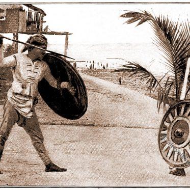 Philippinen. Sulu Krieger in kämpfender Haltung.