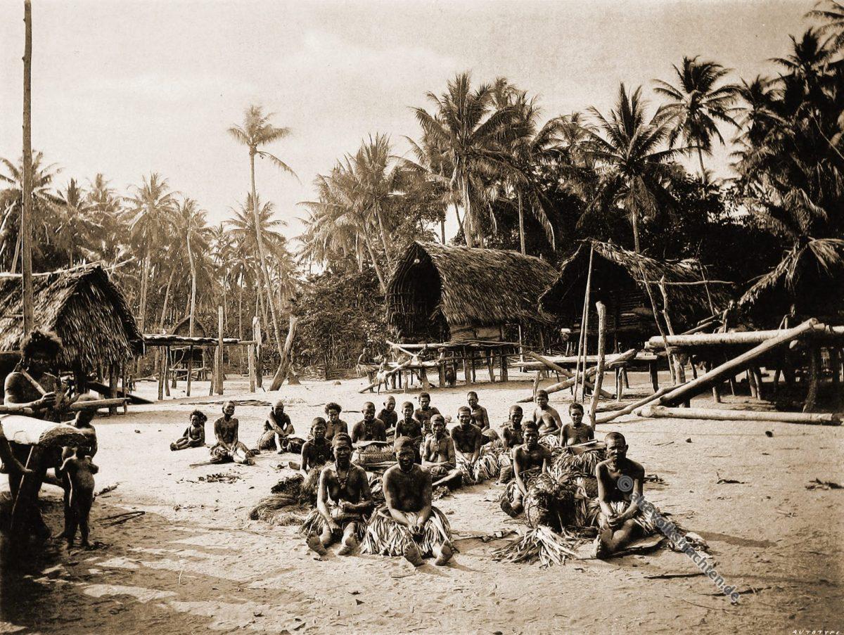 Kerepunu, Kalo, market place, Native, dress, Papuasia, Papua New Guinea, J. W. Lindt,
