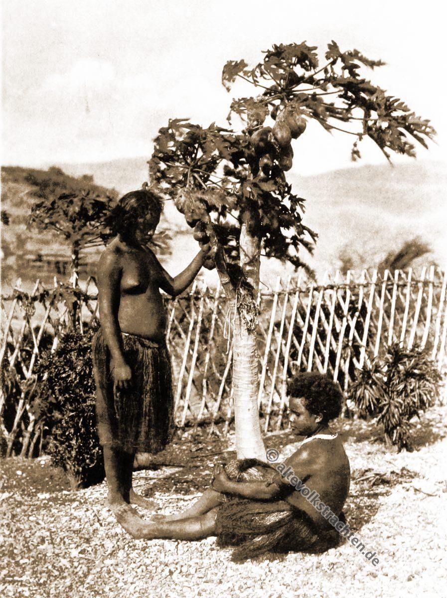Motu girls, Port Moresby, Papuasia, Papua New Guinea, J. W. Lindt