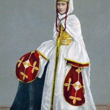 Historische Frauentracht aus Krasnodar um 1890.
