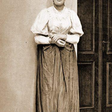 Serbisch-orthodoxe Frau. Bosnien 1896.