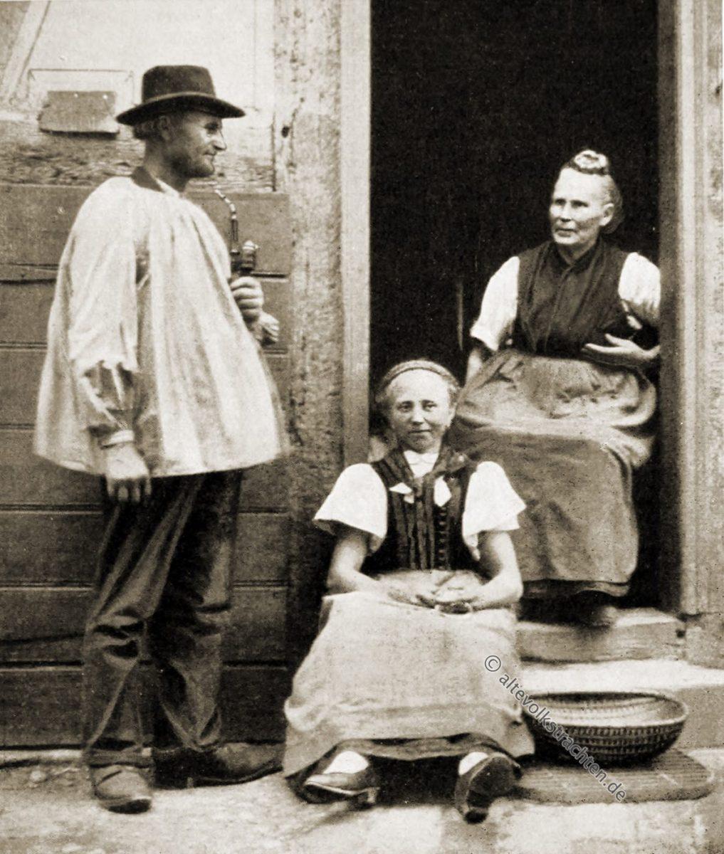 Haustracht, Hessen, Hessenfamilie, Schnatz, Trachten, Rose Julien, Deutsche Volkstrachten,