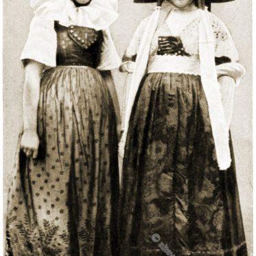 Niedersachsen Trachten in Schaumburg-Lippe um 1912.