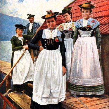 Weibliche Gebirgstrachten aus Oberbayern.