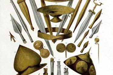 Hallstatt, Schwerter, Dolche, Lanzenspitzen, Messer, Helme, Schmuck
