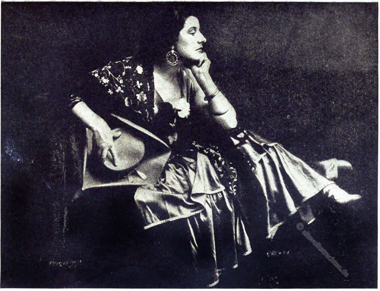 Geraldine Farrar, Carmen, opera, costume, stage costumes