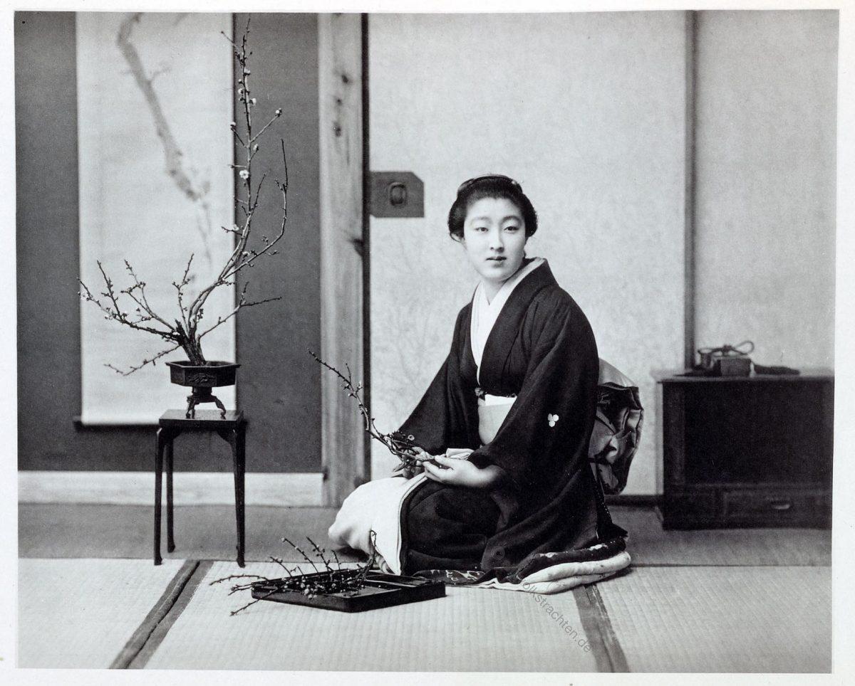 Kazuma Ogawa, Fotograf, Japan, Fotografie, Blumenarrangement, Ikebana, Kimono
