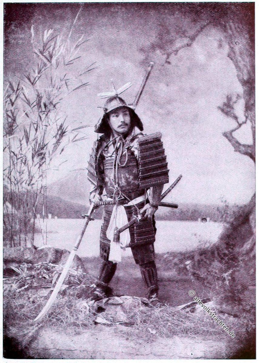 Samurai in Rüstung und Waffen. Captain F. Brinkley, Kazuma Ogawa