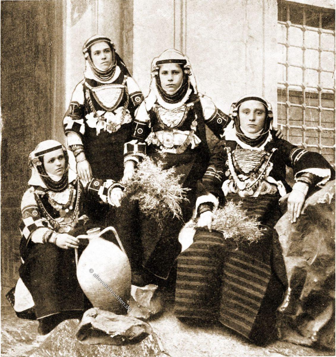 Bulgarische Bäuerinnen, Trachten, Kiretz Keui, Mazedonien, Griechenland, Lucy Mary Jane Garnett