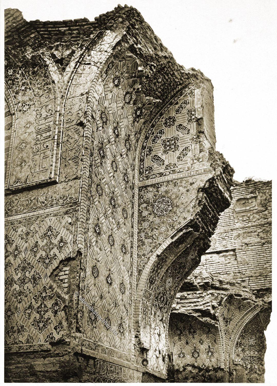 Tabriz, Blaue Moschee, Iran, Persien, Baukunst, Denkmal, Pfeiler, Portalbogen, Kuppelraum, Eingangsgalerie
