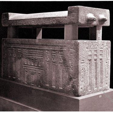 Ägyptischer Sarkophag des altägyptischen Beamten Khufu-ankh.